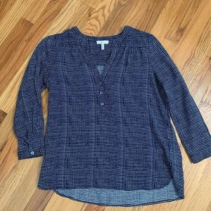 Joie xs 3/4 sleeve top navy/white ,rayon , so-soft
